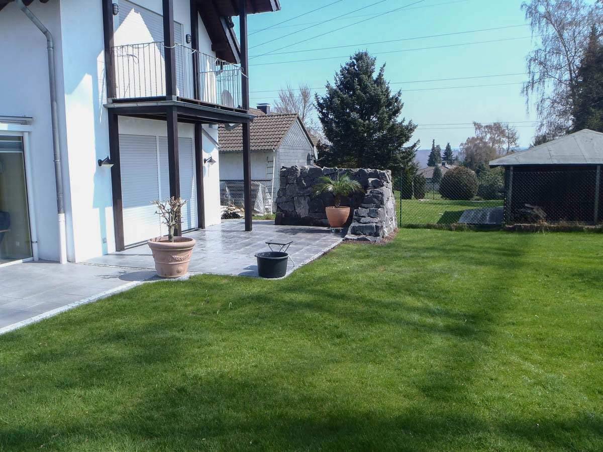 Gartengestaltung gartenbau planung pflanzung for Gartengestaltung carport